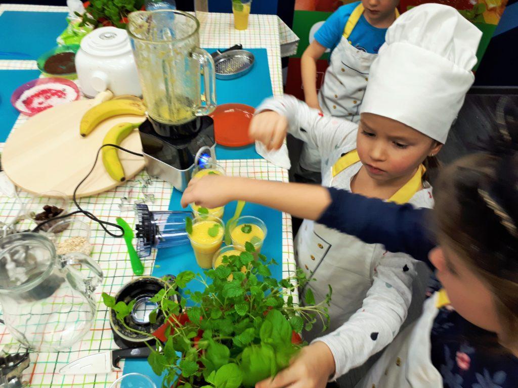 Warsztaty kulinarne dla dzieci i rodziców w firmie RST